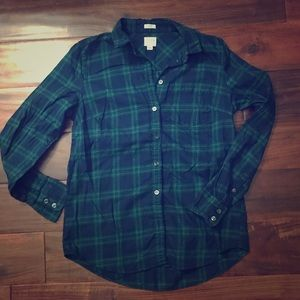 J. CREW women's boy fit flannel top!